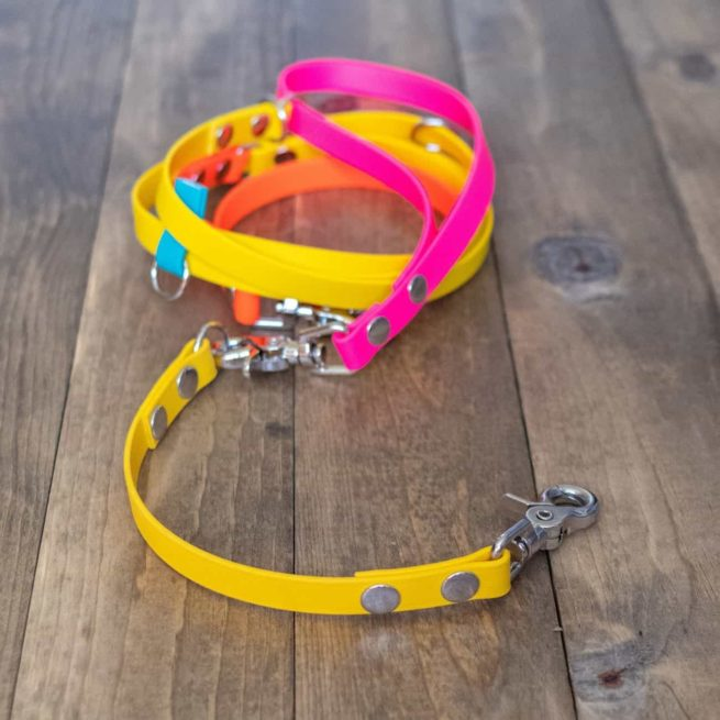 Waterproof Dog Leash Extender show with hands free leash