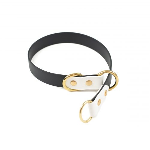 black and white full slip collar in brass